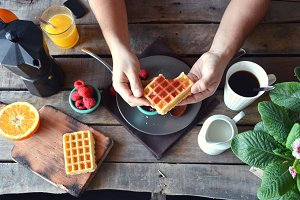 Breakfast waffles with marmalade