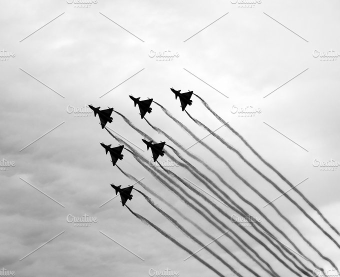 six planes.black and white - Sports
