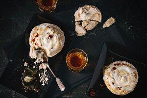 Pavlova dessert with caramel