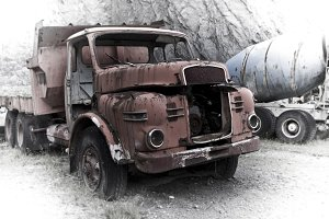Industrial vehicle vestige