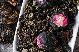Flavored blooming tea