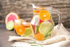 Infused Detox Water With Citruses
