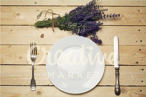 Place setting with lavander bouquet