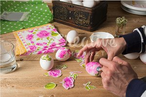 Easter decoupage eggs
