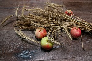 Rye and apples