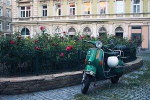 Retro scooter, Vespa Piaggio
