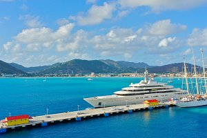 Monster Yachts 1