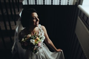 Bride posing on the chamber