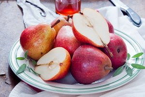 Cooking with Red Bartlett Pears