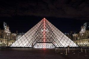 Illuminated glass pyramid