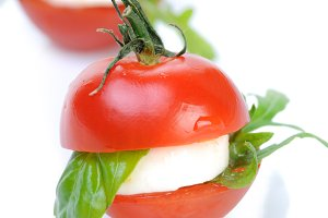 snack cherry tomato with mozzarella