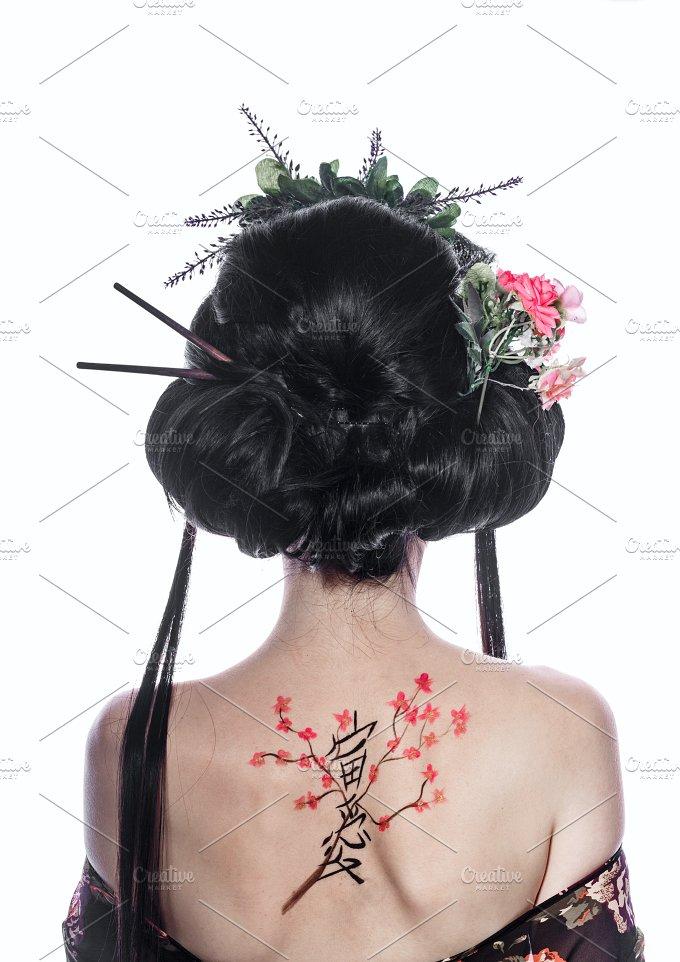 Geisha from back. Figure cherry - Beauty & Fashion
