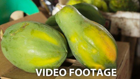 Papaya fruit in the market