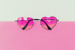 Cute Sunglasses heart Be in trend.