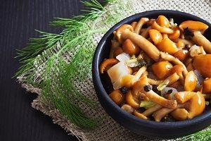delicious marinated mushrooms