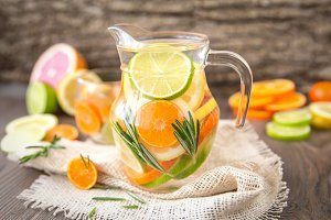 Detox Infused Water With Citruses