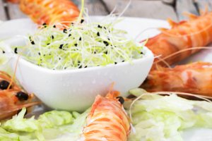 Prawns cooked with lettuce