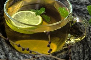 Green tea with herbs and lime