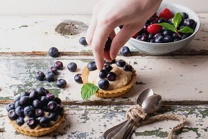 Berry Mini Tarts Preparation