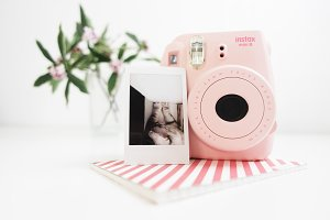 Camera Instax mini Pink / Hero image