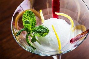 Ice lemon dessert