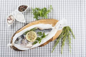 Gilt-head sea bream prepared to be cooked