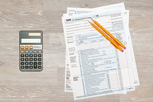 Calculator with USA tax form 1040