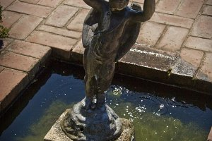 Fountain Sculpture (Photo)