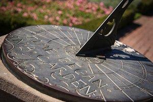 Sundial (Photo)