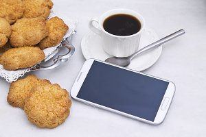 teacakes and mobile phone
