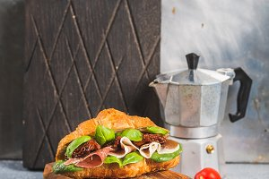 Croissant sandwich with smoked meat