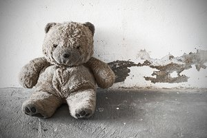abandoned old teddy bear