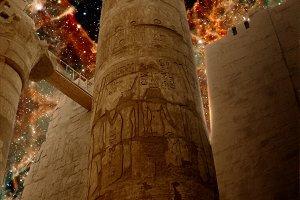 Karnak columns and 30 Doradus