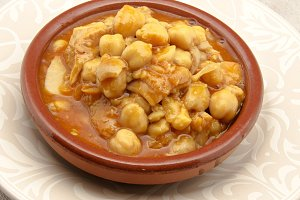 Pork tripe with chickpeas