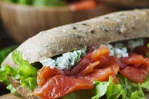 Health sandwich with salmon