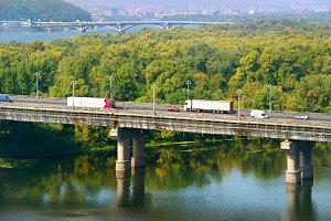 Transport on a bridge