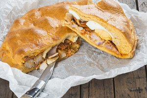 Spanish meat pie called hornazo