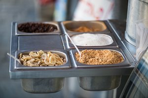 Sahlep toppings