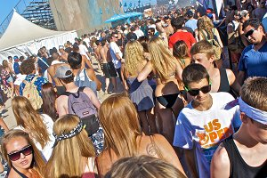 Adolescent  Beach Mob