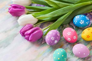 Tulips and colorful eggs