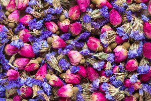 Rose buds and forget me not tea