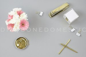 Chic Styled Photo - Gray Gold & Pink