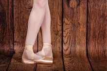 Fifth position in classical ballet.