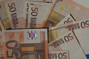 Fifty Euro notes