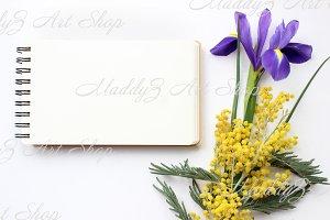 Spring flowers Mockup #1