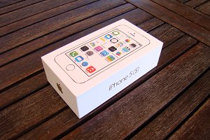 iPhone 5S Gold Box