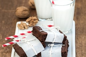 Chocolate brownie slices with milk