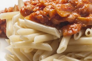Macaroni and tomato sauce