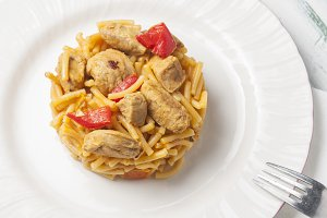 Fiedua with meat and vegetables
