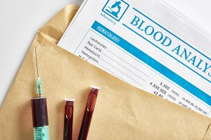 Syringe and vials envelope top
